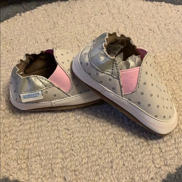 c6ba167413b NWT - Robeez Baby girl shoes - 0-6 months